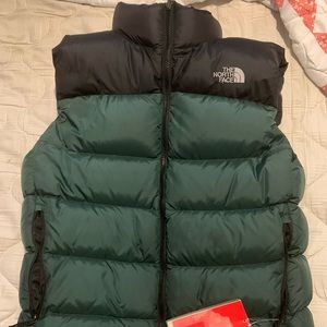 NORTHFACE puffer jacket - size M, with tags